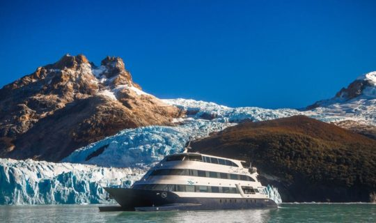 cruise-ship-in-front-of-glaciers-in-patagonia