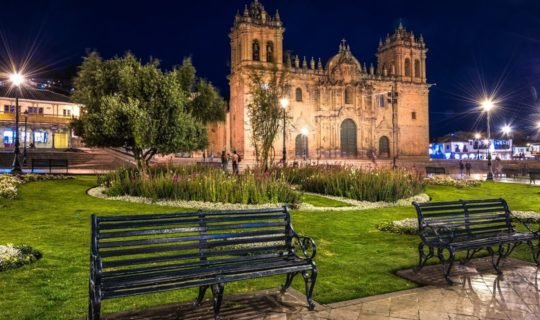 quito-cathedrallit-up-at-night