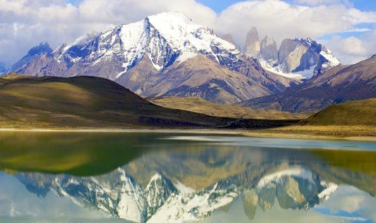 patagonia-mountains-being-reflected-off-lake