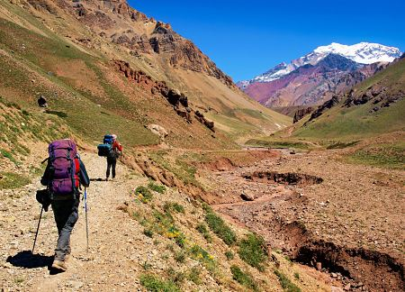 Hikers-Aconcagua-Mendoza-stock_opt