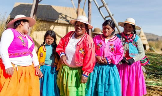 indigenous-women-in-bolivia-staring-at-camera