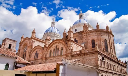 grand-cathedral-in-cuenca-ecuador