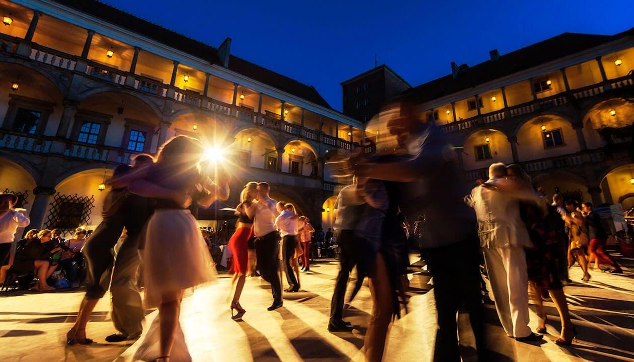 tango dancing in argentina