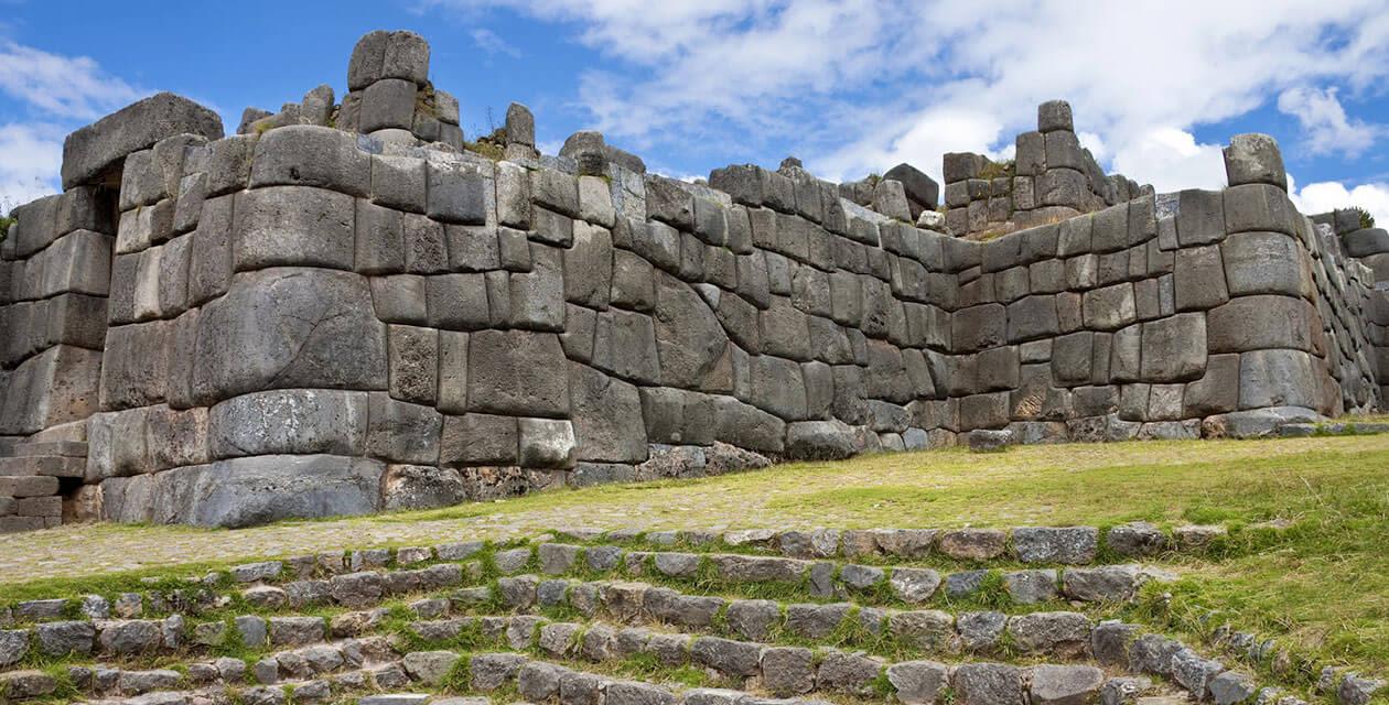ancient ruins in cusco peru