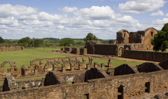 paraguay-jesuit-ruins-on-green-field