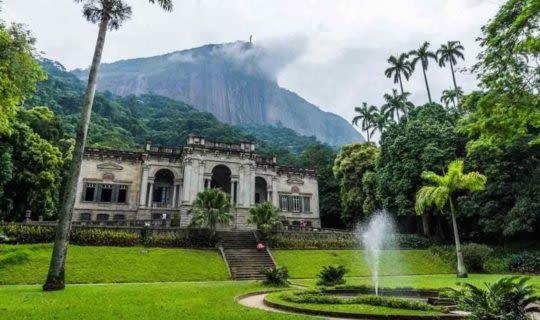 botanical-gardens-of-rio-de-janeiro-grand-entrance