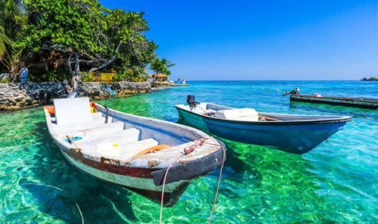 clear-waters-with-anchored-canoe-in-colombia