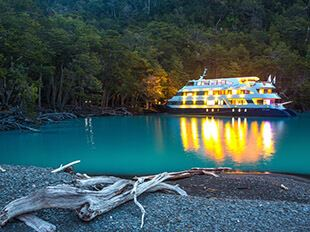 Marpatag patagonia cruise Night Walk