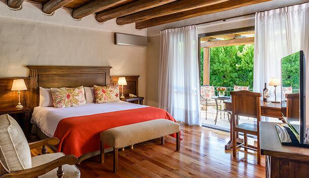 inside of the lares de chacras bedroom