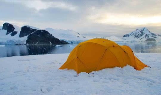 tent-on-camp-site-in-antarctica
