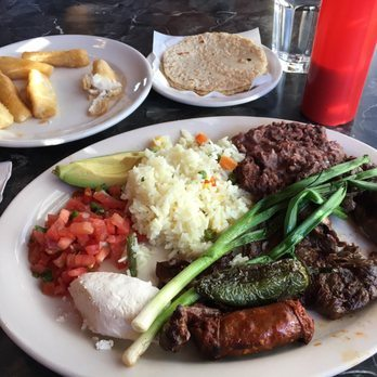 top-south-american-restaurants-seattle-la-cabana