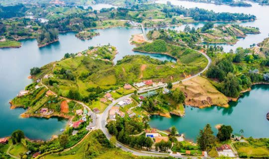colombia-artificial-lakes-and-neighborhoods