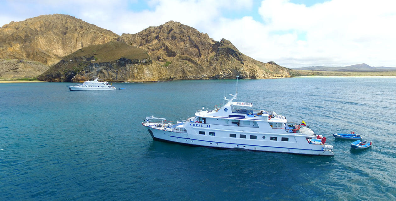 Galapagos cruise sailing water