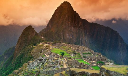 inca-ruins-in-mach-picchu-at-sunset