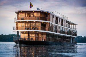 exterior shot of the elegant anakonda cruise