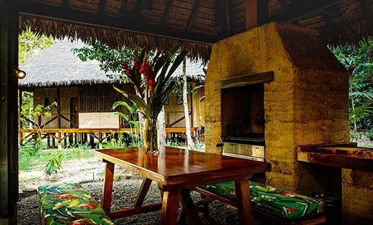 refugios-amazonaloddeg-double-bedroom-with-view-outside