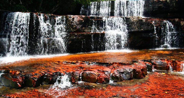 quaint-red-rock-waterfall-in-venezuela