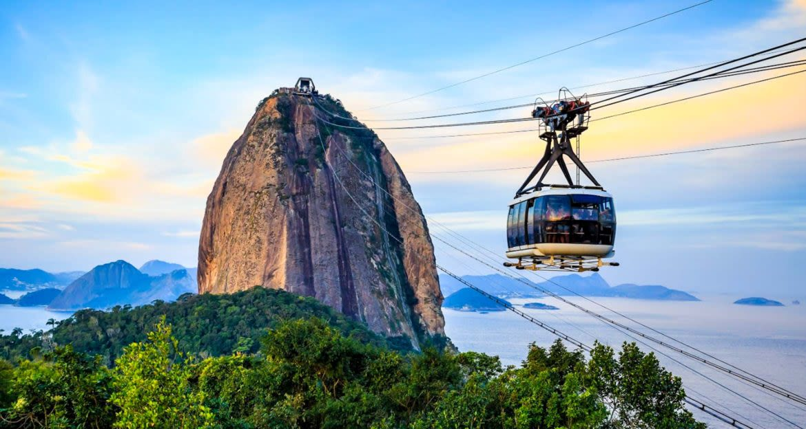Cable car approaches Sugarloaf mountain