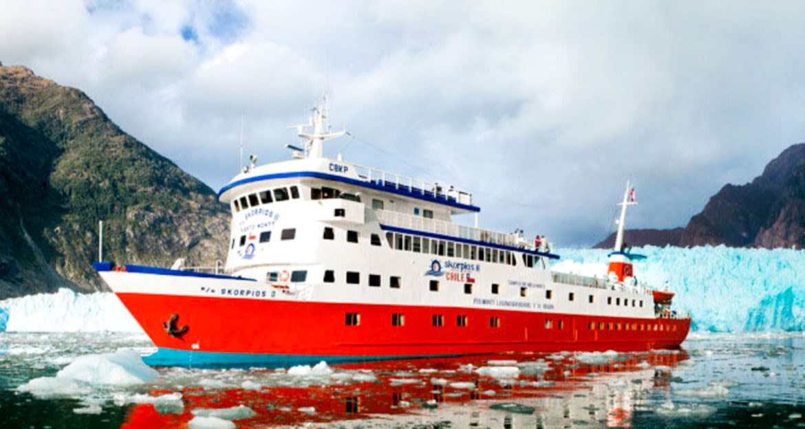 Skorpios cruise ship among ice floes