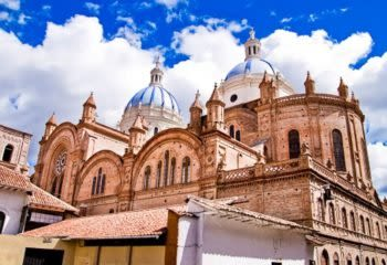 Large stone cathedral in Cuenca, Ecuador