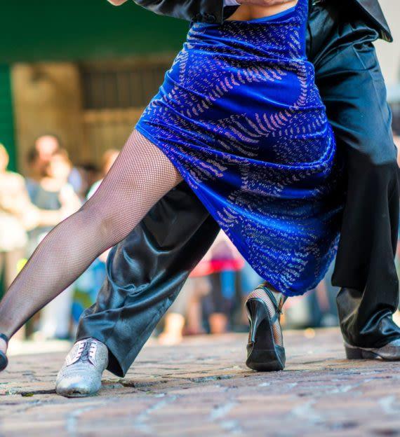 Couple dances the tango