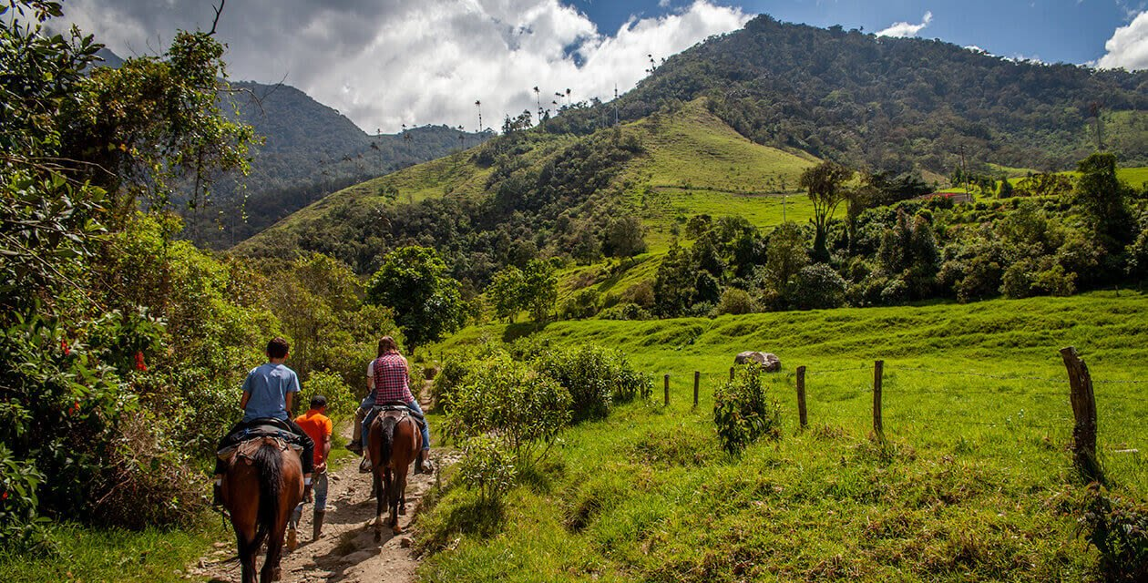 horseback riding in colombia
