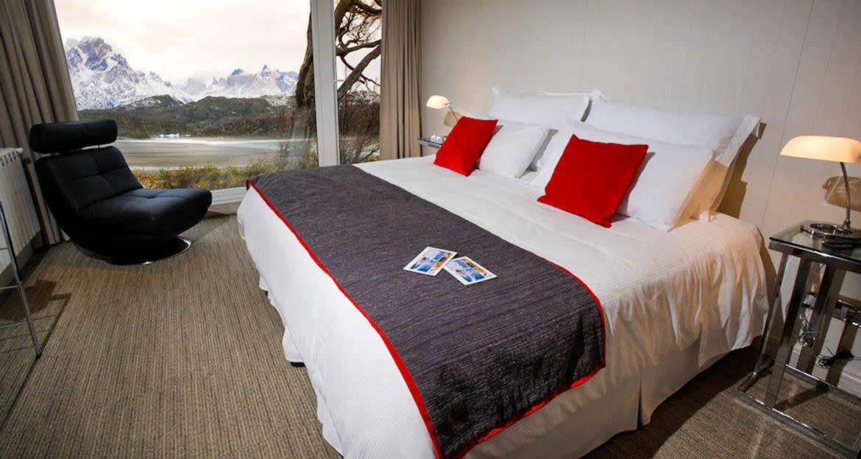Interior of Lago Grey Lodge bedroom