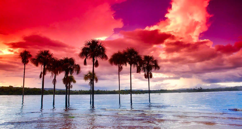 Sunset over Laguna de Canaima