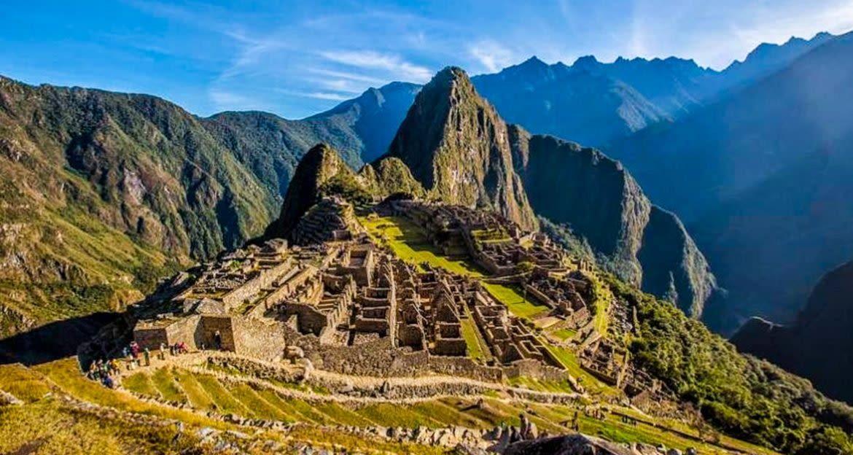 Machu Picchu ruins and vistas