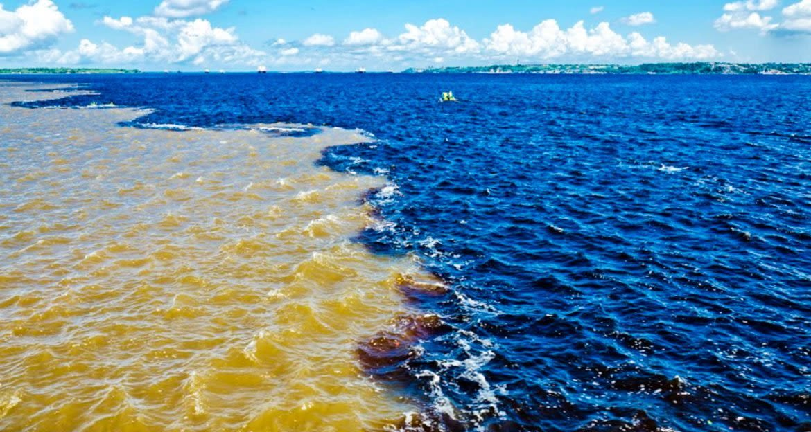 Line between colors at the Meeting of the Waters