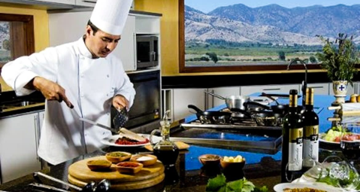 Chef makes meal in Mendoza