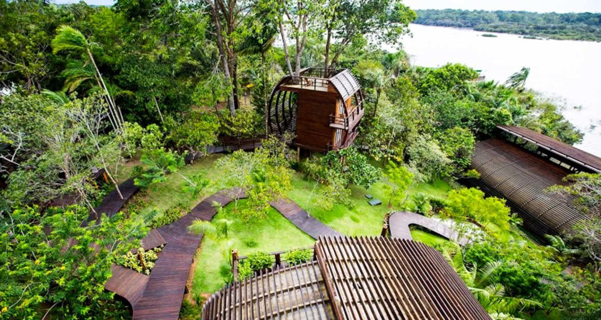 View of Mirante do Gavião Amazon Lodge from above