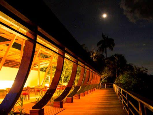 Mirante Lodge at night