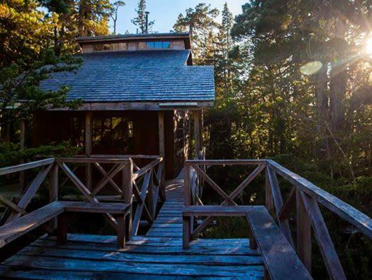 Mitico Puelo Lodge at sunrise