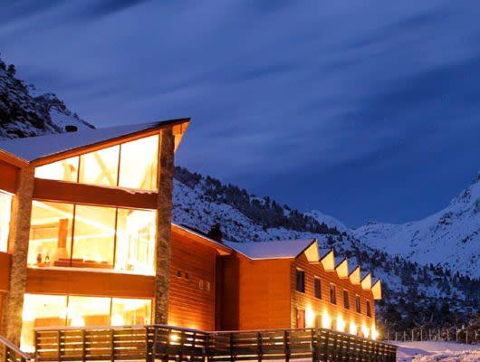 Noi Puma Lodge exterior