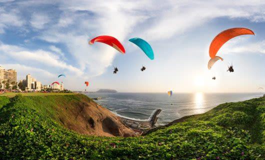 paragliding in lima peru