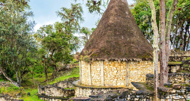 Hut in Peru ruins
