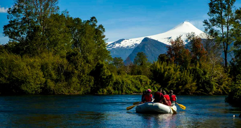 Travelers raft on river near Hotel Vira Vira