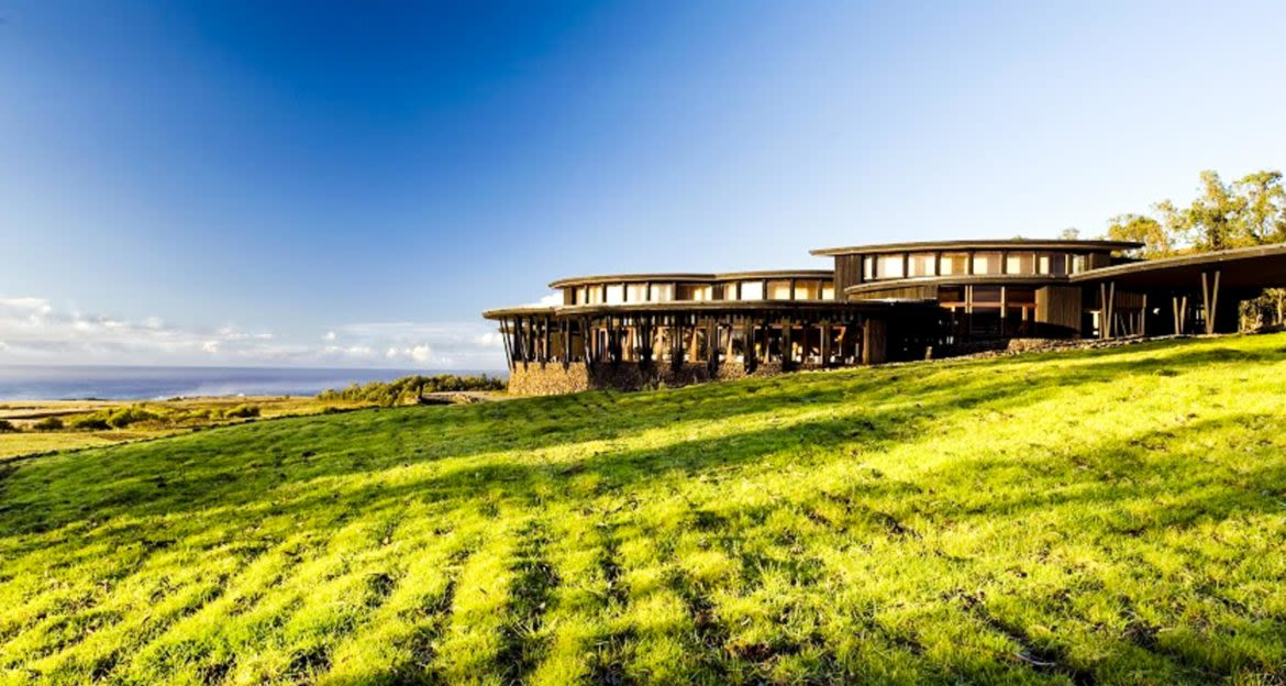 Exterior of Rapa Nui lodge