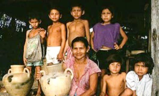 Group of ribeirinhos people