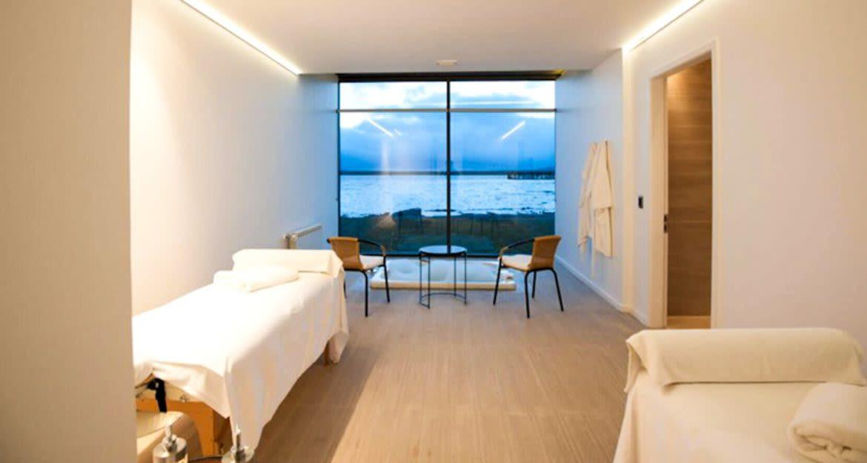 Twin bed room at Singular Patagonia Hotel