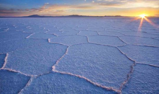bolivia-uyuni-salt-flats-at-sunset