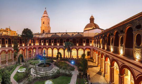 lima-peru-santo-domingo-monastery-with-sunset