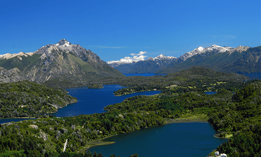 bariloche-dramatic-view-over-lakes-and-mountains