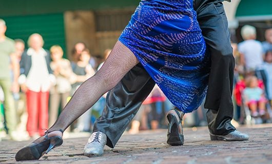 closeup-of-tango-dancers-and-their-legs