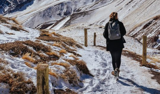 women-hiking-the-cordillera-blanca-trail