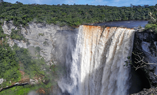 Kaieteur falls Guyana with massive drop over cliff