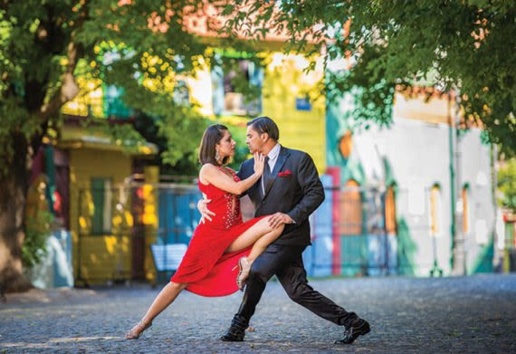 see a couple dancing the tango in buenos aires argentina