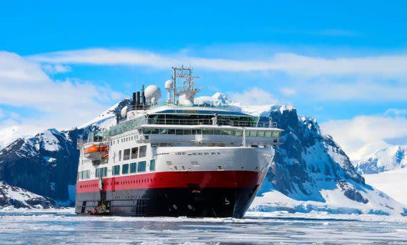 Antarctica cruise through ice