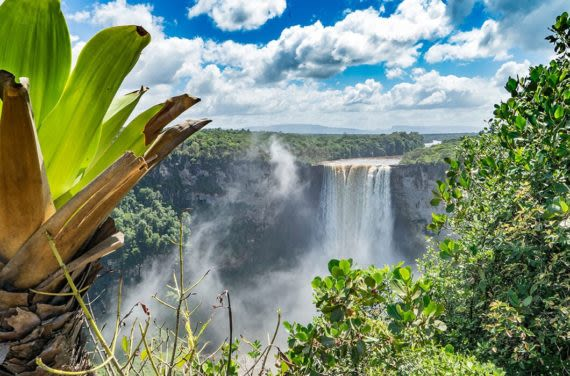View of Kaieteur Falls and surrounding
